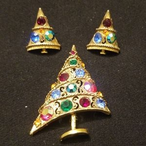 Christmas tree brooch and clip on earrings